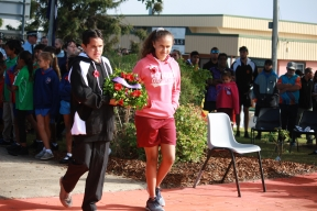 School student leaders lay ANZAC wreath